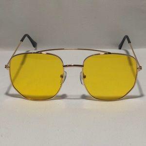 Other - Gold/Yellow Pilot Aviator Sunglasses